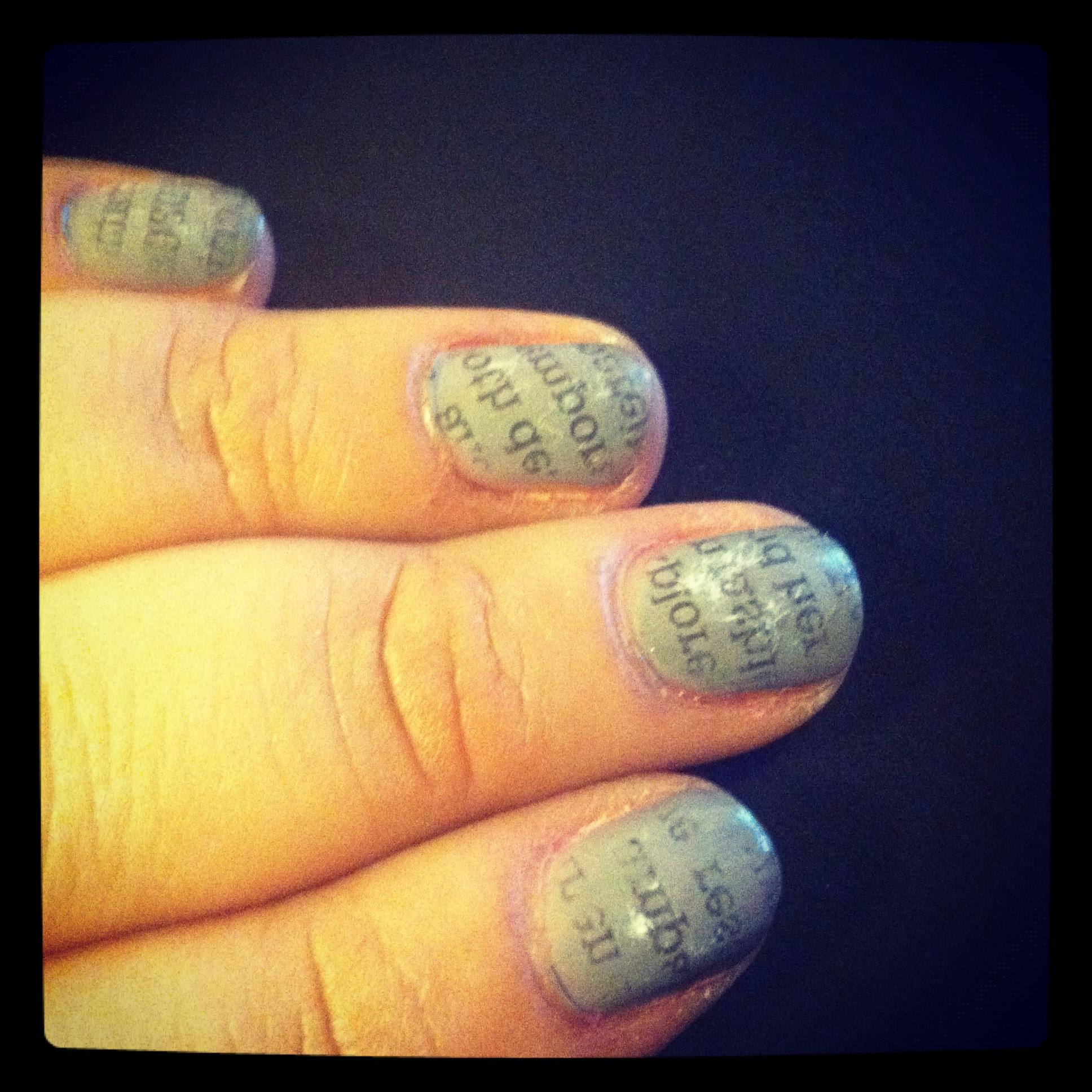 how to make a newspaper nail art