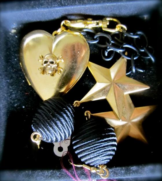 GlitterontheCeiling.com